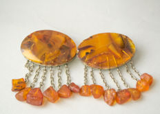 Set of two Baltic Amber brooches natural butterscotch, caramel/egg yolk Amber