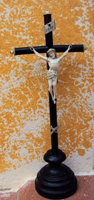 Walnut wood crucifix with ivory inlays and ivory Christ -France, late 19th century