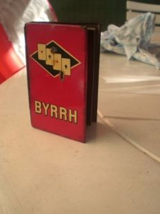 Enamelled playing card box 'Vin aperitif BYRRH' 1930