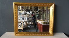 Faceted mirror - Gold - Wide wooden frame.