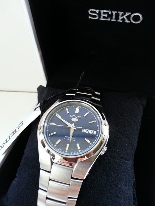 Seiko – Men's wristwatch
