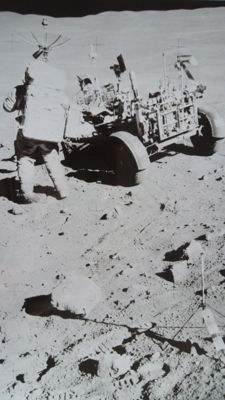 Electric car on the Moon (1972)