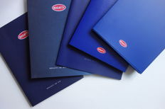 Lot with 9 Bugatti presskits and brochures