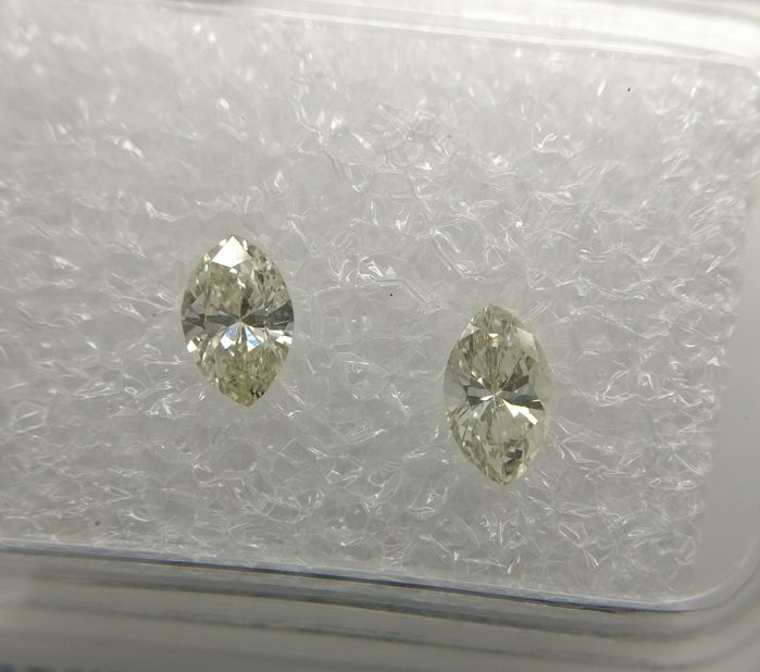 Lot of 2 Marquise cut diamonds total 0.41 ct G-H VS2-SI1