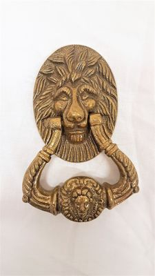 Bronze door knocker in the shape of a lion's head - First half 20th century, France