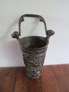 Bronze neo-Gothic holy water bucket with Latin text - Belgium - 19th century