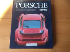 Lot with 8 Porsche books