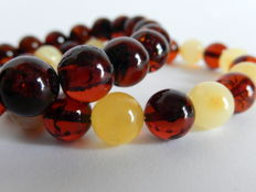 Natural Baltic Amber bracelets with perfect colour match, 21 gr