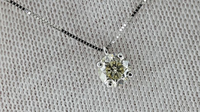 0.92 ct round diamond pendant in 14 kt white gold -*** No Reserve Price ***