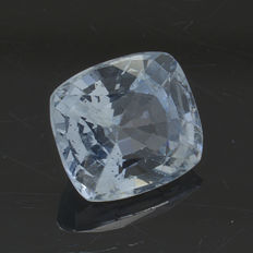 Very light blue sapphire - 1.22 ct - No Reserve Price
