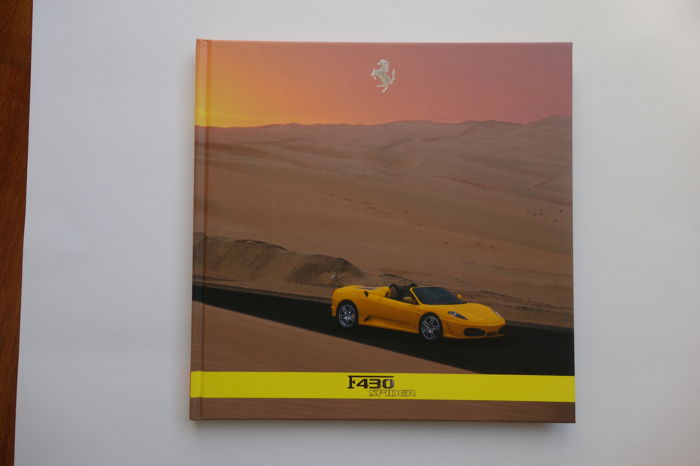 Ferrari F430 Spider presskit book 2240/05 with CDROM