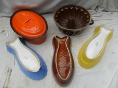 Lot of oven bowls and pudding shape - very vintage.