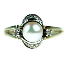 14 kt yellow gold Art Deco ring set with Akoya pearl and diamonds - ring size 16.5
