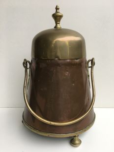 Copper extinguishing pot with handle, Netherlands, ca. 1890