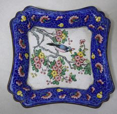 Enamelled plate - China - First half of the 20th century