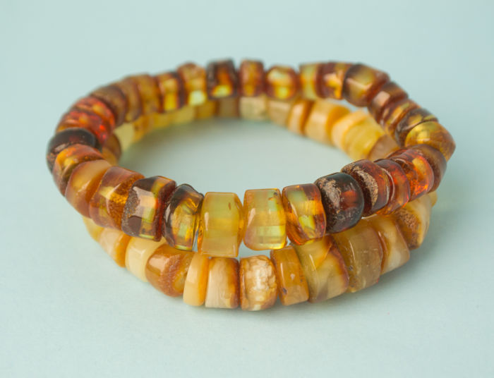 Baltic Amber bracelets set of 2 pieces, butterscotch, egg yolk honey colour, 32 gram (No reserve)