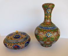 A  Chinese cloisonne champleve style lidded bowl and  large garlic vase  - China - second half 20th century