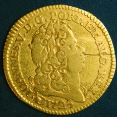 "Portugal – ½ Escudo in GOLD ""Coroa e Escudo 1.º Tipo"" (Crown and Shield 1st Type) – 1725 – D. João V – Lisbon – AG: 110.03 – Above Average – Rare"