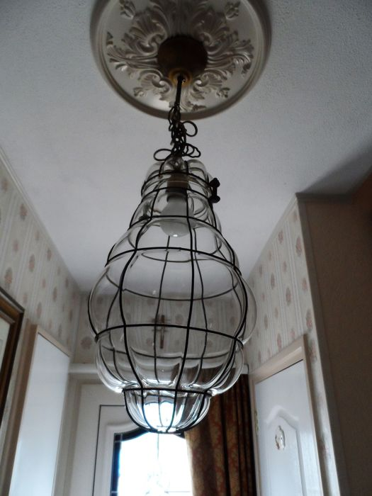 Large, mouth-blown Venetian hanging lamp in a special design featuring squares in decreasing dimensions.