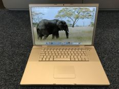 "Apple MacBook A1212 17"" 2,33/3GB/160GB/ATI"