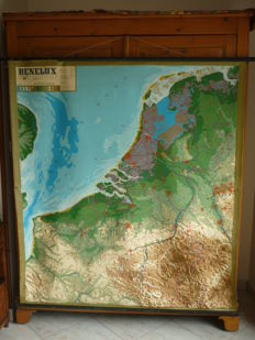 Map of Benelux in plastic and embossed