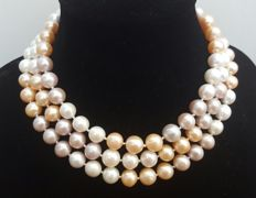 Long necklace with peach, grey and white fresh water cultured pearls measuring 11 mm - Length: 126 - No Reserve