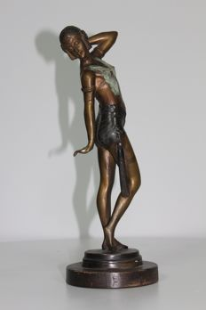 Sculpture of Dancer in the style of Chiparus (20th century)
