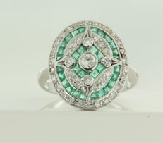 14 kt white gold ring in Art Deco style set with emerald and diamond, approx. 0.55 ct in total *****NO RESERVE PRICE*****