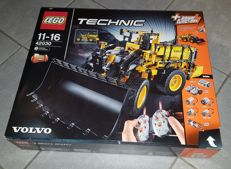 Technic - 42030 - L350F Wheel Loader