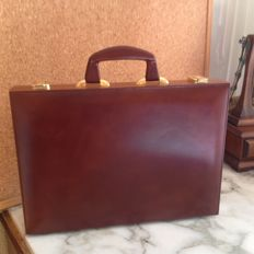 Leather briefcase with wooden edges, very elegant