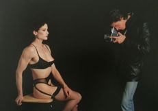 Roger Fritz (1936-) - Robert Mapplethorpe takes a picture of Lisa Lyon - 1983