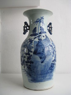 Blue and white vase - China - early 20th century
