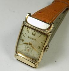 Bulova 8AD - Rectangular - Interesting Lugs - 1948 - Men's Wristwatch