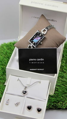 Pierre Cardin - Women's watch - Necklace and earrings - Gift set - Brand new, unworn.