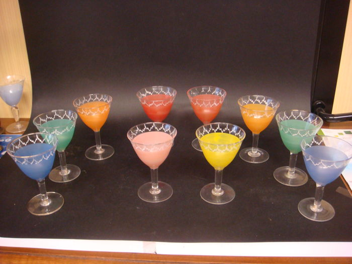 10 coloured Murano glasses, 1920