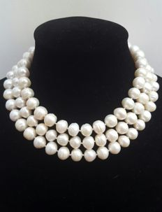 Long necklace with large freshwater cultured white-coloured pearls - Length: 128 cm