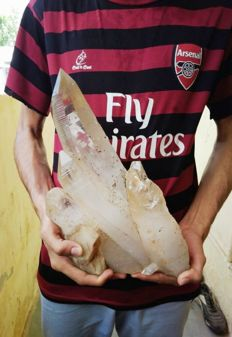 Huge Rock Quartz Crystal - 7400 gm