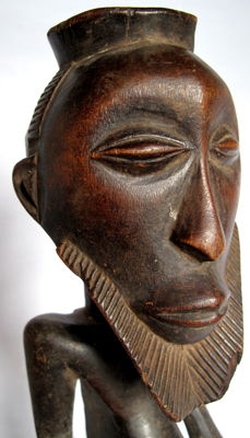 Ancient male figure – Kusu – DR Congo