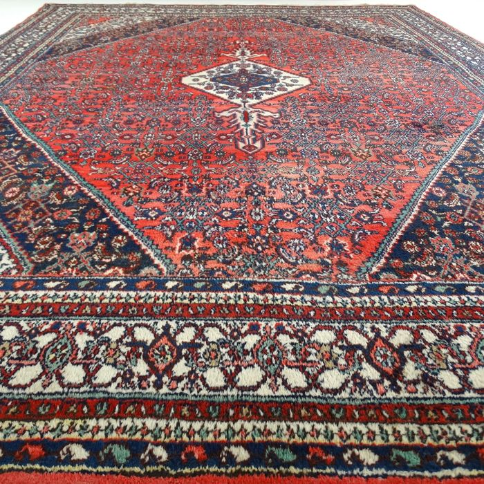 "Hamadan Hoesseinabad - 354 x 274 cm. - ""XL - Authentic Persian carpet in good condition"" - With certificate."