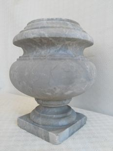 Bardiglio Grey Marble Vase with White Veins - Tuscany, Italy - first half 20th century