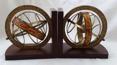 Vintage Italian globes - 2 Beautiful book stands with Zodiac and degrees horizon mounted on wooden stand.