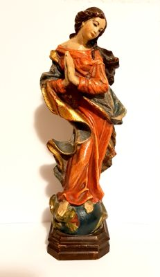 Wooden figure of Madonna Maria Immaculata