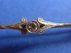 Gold diamond brooch from the Art Deco period