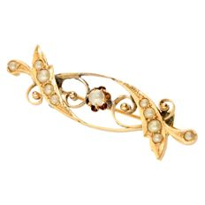 14 kt gold old Dutch brooch, set with small seed pearls