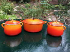 Le Creuset 2 oven dishes and a cooking pot in enamelled cast iron