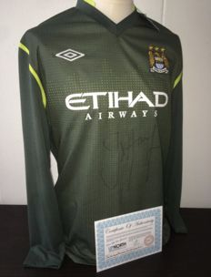 Joe Hart signed (Premier League win) Manchester City keeper shirt 11/12 COA inc Photo proof.