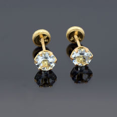 14k/575 yellow gold  earrings with two aquamarines - Total gemstones weight 0.98 ct.- Earrings fron size 5.5 mm. Ø