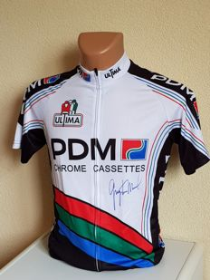 Greg LeMond -  3x winner Tour de France and ex Worldchampion Elite -  hand signed jersey + COA.