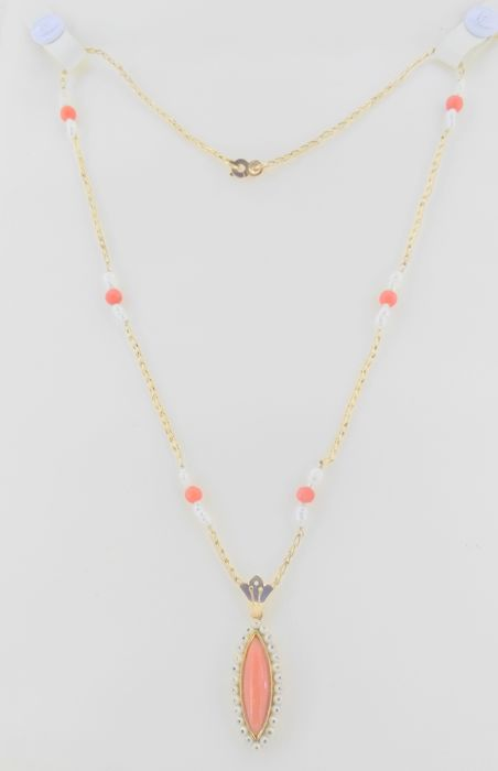 Choker with pendant in 18 kt yellow gold-coral and pearls