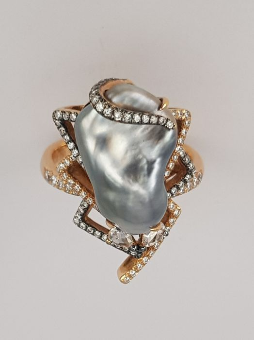 Freshwater Baroque Pearl and 0.44 carats Diamond Ring -  Size 6/52